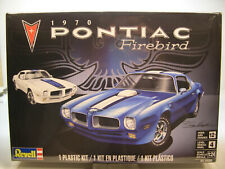 1970 PONTIAC FIREBIRD REVELL 1:24 SCALE PLASTIC MODEL CAR KIT