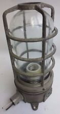 INDUSTRIAL LIGHTING INCANDESCENT METAL CAGE / SHIELD GLASS GLOBE EXPLOSION-PROOF
