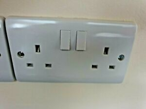 Scolmore Click  Twin Switch Socket 13 Amp