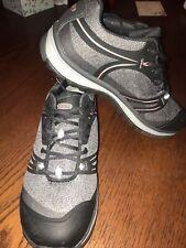 Womens Keen Utility Low Alloy Toe Industrial Work Shoe size 7.5W