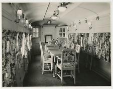 1960, wagon salle à manger  Vintage silver print  Tirage argentique  15x20