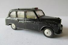 Corgi Toys No.418 Austin FX4 London Taxi - Cab