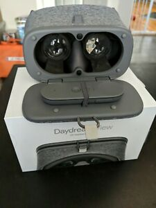 Google Daydream View VR Headset 2017, Gray, Used, For Android and Google Phones