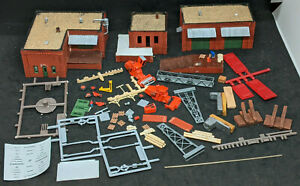 N Scale DPM Gold Olsen Feeds & Larsen's Implement Kit #661 - BUILT UP BUILDINGS