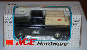 ERTL1994 6th Edition 1955 Ace Hardware Cameo Pickup Truck Locking Coin Bank