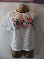 LADIES NwoT Atmosphere 10 WHITE STRETCH LACE/FLORALS+WORDS/SHORT SLEEVE TOP