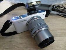 OLYMPUS PEN mini E-PM1 blanc + Obj 14-42mm (Hors service)