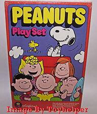 Peanuts Charlie Brown Snoopy Colorforms No.761 Toy Play Set Sealed Vintage
