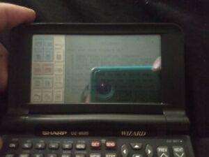 Sharp Wizard Data Organizer Portable Fax Computer Link OZ-9520 512KB
