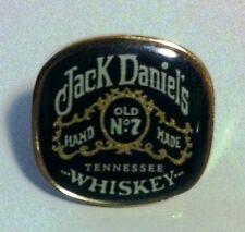Collectors Jack Daniels square bottle label lapel/hat pin - new