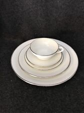 Wedgwood Doric Bone China 5 Piece Place Setting W4212 England Platinum Trim