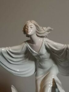 Handmade porcelain art piece. High Porcelain limited series. made in spain,Ladro