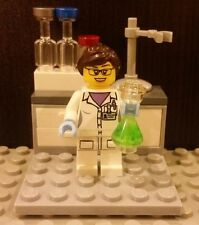 Lego NEW Female Scientist With Research Lab And Green Erlenmeyer Flask