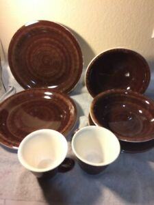 (2) SETS--4 PC PLACE SETTING--TUSCANY SUITES & CASINO--BROWN---FREE SHIP--NEW