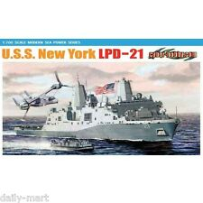 Dragon 1/700 7110 U.S.S. New York LPD-21 Model Kit