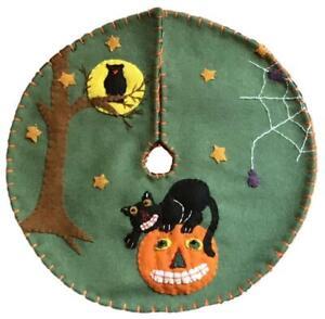 Handcrafted Black Cat on Jack-O-Lantern Halloween Tree Skirt