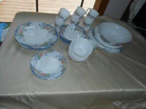 Arcopal Florine Dinnerware - 37 Pieces