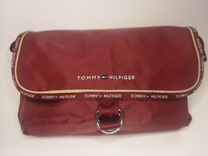 Tommy Hilfiger Handtaschen verschiedene Modelle für Damen und Herren