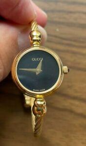 GUCCI 2700.2.L Bangle Gold Plated black Dial Quartz Ladies Watch # 0222311