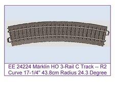 """EE 24224 New Märklin HO 3-Rail C Track R2 Curve 17.25"""" 437mm Radius 24 Deg Arc"""