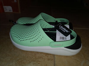 NEW Womens Crocs LiteRide Clog Shoes, size 11      (also mens size 9)