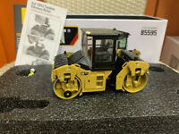 Caterpillar Cat CB13 Tandem Vibratory Roller-Cab 1/50 By DieCast Masters DM85595