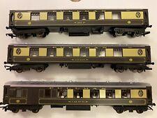 Hornby Railroad Pullman Coach Set.