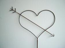 Herz aus Metall mit Liebespfeil - Gartenstecker - Metallherz - Amor - NEU !