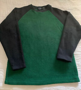 EUC GAP Boys Pullover Green With Black Sleeves Boys Large