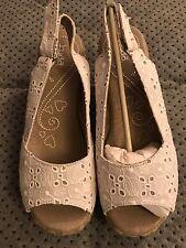 Mudd Maven White Eyelet Sandals Women's Size 6 NIB