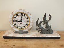 Ancienne pendule mécanique socle marbre et oiseaux en régule Ucra