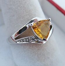 14K White Gold Ring w/ Trillion Cut Yellow Citrine  (3.3 grams, size 6.75)