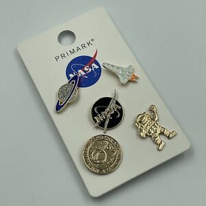 NASA - 5 x ENAMEL PIN BADGE SET - LOGO, SPACE SHUTTLE, ASTRONAUT - NEW ON CARD