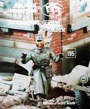 Verlinden 54mm 1/35 Surrendering German Soldier Walking with Hands Up WWII 195