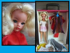 Vintage Sindy doll, with her pink dollcase + a lot of clothes, Pedigree