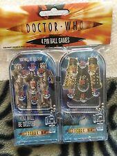 Doctor Who deux Dalek et deux Cybermen PIN BALL jeux jouets