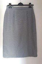 Women's Vintage 1980's Pencil Skirt Houndstooth Pattern MOD Style  Size 10