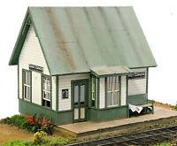 BANTA 2108 HO DONKEY CORNERS DEPOT Model Railroad Building Wood Kit FREE SHIP