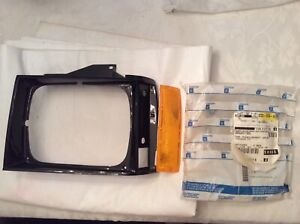 1982-90 Chevy S-10 GMC S-15 Bezel and Marker