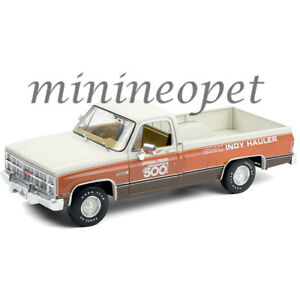 GREENLIGHT 13564 1983 GMC SIERRA CLASSIC 1500 67TH INDIANAPOLIS 500 MILE 1/18