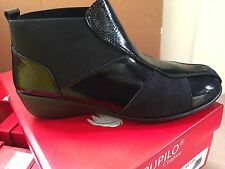 Ladies Black Patent Leather/ Black Nubuck Leather Ankle Boots Size 7