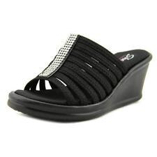 Sandalias y chanclas de mujer Skechers de tacón medio (2,5-7,5 cm) de color principal negro