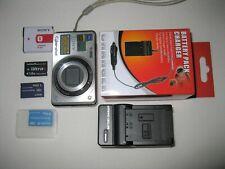 Hochwertige kleine Kompaktkamera von SONY*** Outfit***