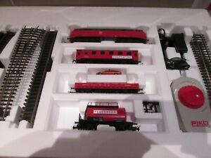 Piko 57153 analoges Startset Feuerwehrzug mit A-Gleis H0