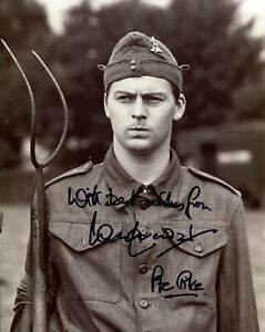 Ian Lavender signed 8x10 Dads Army classic comedy scene photo