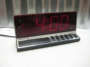 Spartus Hi-Tech 1150 Modern LED Digital Alarm Clock