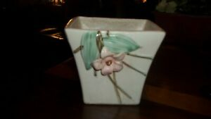 McCoy planter vase with pink flowers