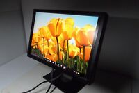"Dell 2209WA UltraSharp 22"" LCD Monitor w/4-Port USB Hub DVI VGA 2209WAf H736H"