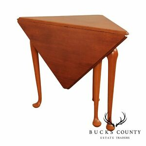 Custom Quality Colonial Williamsburg Queen Anne Style Mahogany Napkin Table