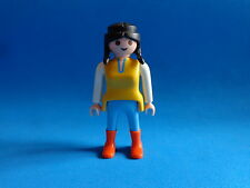 Playmobil Mujer pantalon azul botas naranjas camistea amarilla woman boots